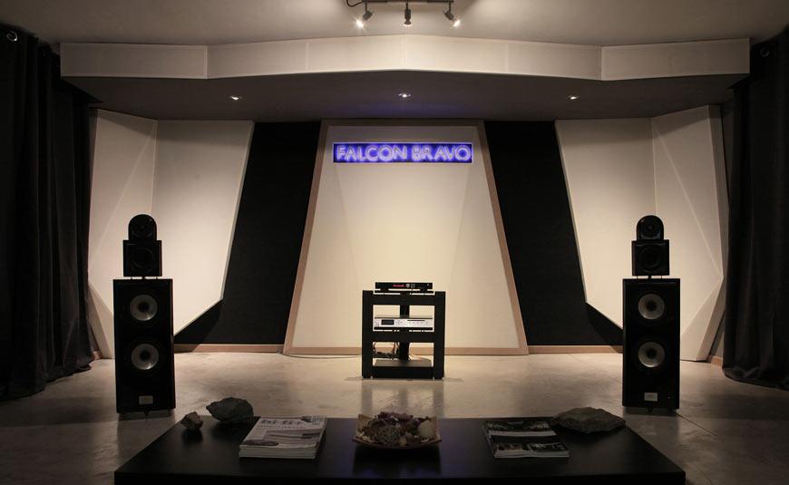 Tu Alta Fidelidad Falcon Bravo inaugura nueva sala de audición