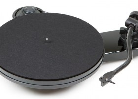 Giradiscos Pro-Ject RPM 3 Carbon y 6 PerspeX DC